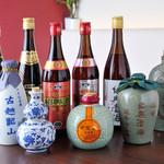 DRAGON酒家 - ドリンク写真:紹興酒の数々