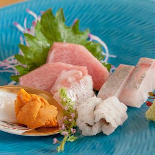 全国各地の旬の魚介を堪能!気軽にご来店下さい。