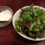 53798872 - セットのサラダと杏仁豆腐