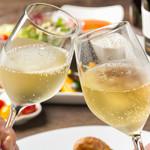 エロうま野菜と肉バル カンビーフ - 座ったらまずは泡をお楽しみください!
