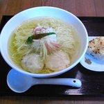 麺屋海神 - 料理写真:あら炊き塩ラーメン(単品800円)