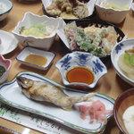 民宿 しらかわ - 料理写真:夕食全景