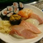幸寿司 - 夜。特選にぎりの一例