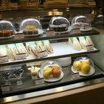 カフェ FICA - デザート&サンドイッチのケース