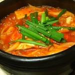 韓国風居酒屋おんどる - 料理写真:キムチチゲ(2辛)