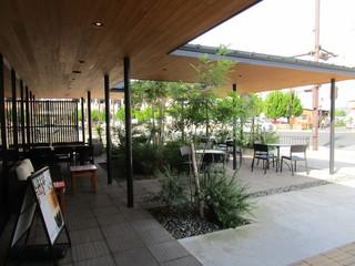 スターバックスコーヒー シャミネ鳥取店 - テラス席も有ります