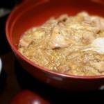Hokkoriya - 炭焼鶏の親子丼 [850円] しば漬け お味噌汁付き