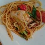 53829635 - 牡蠣と九条ねぎトマトのスパゲッティ