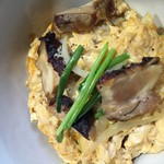 kissaco - ランチメニュー、燻製親子丼。