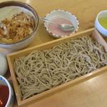 山せみ - いづれかの小丼とお蕎麦のセット 1080円