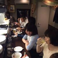博多 Tacosバル ばぶばぶ - 女性のお客様にも人気の店内