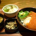 にほんいち 東三国店 - いくらと鮭の親子丼定食