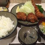 とんかつ美とん - ミックスかつ定食 (1650円)