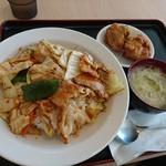 香莱軒 - 料理写真:超人気セット(回鍋飯、スープ、若鶏の唐揚げ)