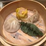 荘園中華と飲茶 リー ツァン ティン  - 上海点心師手作り飲茶4種
