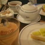 パパス・カフェ - ケーキセット ¥1080(税込)