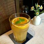 カフェ ド パルファン - オレンジ アイスティー