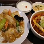 唐朝刀削麺 - 西安・麺セット(サンラー刀削麺)