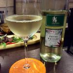 肉焼屋ワイン部 ジャストMEAT  - この夜の3杯目は白ワイン。<2016/7/15>
