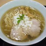 創彩麺家 野の実 - 焦がし香味GYUらぁ麺 930円。