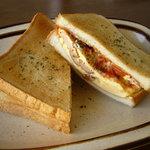 AMUCA - たまごウィンナーのトーストサンド