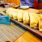 和ビストロ ハク - 『髭の気合玉子焼き』様(1280円)卵16個を使ったとんでもないビジュアルの玉子焼きで以前務めていた和食屋では5英世位したんだそう(^_^;)