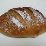 ラシーヌ - くりパン(180円)♪とっても噛みごたえがあります。