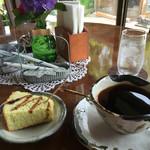 遠山茶屋 ハーモニー - サービスのきなこのシフォンケーキ