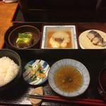 53875614 - 下段:素麺と錦糸卵の煮こごり、鯛と大根のふろふき風煮物、サワラの焼き物