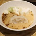 新宿駆け込み餃子 - 濃厚名古屋コーチン炊き餃子