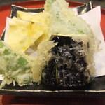 53880331 - 季節の野菜と魚介の天ぷら