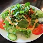 ニャーヴェトナム・プルミエ - 豚肉とパクチーのサラダ