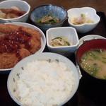 53884342 - チキンカツ定食◎