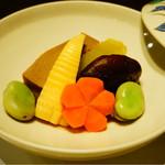 53893560 - 穴子の高野豆腐射込みと野菜の炊き合わせ