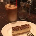 ビーボ デイリー スタンド - ここのカフェラテが一番好き