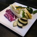酢重DINING - お野菜盛り合わせ(色々なお味噌でも頂ける。)