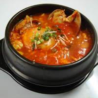 明洞亭 - スンドゥブチゲ・・・お豆腐の鍋です