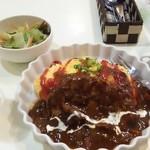 洋食屋キッチンKAZU - ふわふわオムライスハンバーグとグラスビール