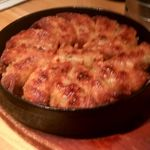九州屋 - 鉄板餃子 カリカリでおいしい