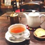 カフェ サルーテ - 和紅茶(月ヶ瀬茶園、有機栽培)ファーストフラッシュ\500