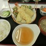 まるへい - 天ぷら定食全貌 980円