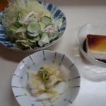 大衆食堂 小園 - 料理写真:2016.07 冷奴、おしんこ、サラダが出てきました。
