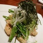 sumiyakigochisouyabanchoushouten - とりムネ肉香味野菜サラダ☆鶏がパリパリでアクセント♪