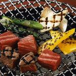 和牛炭火焼肉平城苑本館 - 炭火で焼くからこそ素材の良さが生きるんです!!
