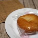 ネコノテパン工場 - 白あんバターパンと7月スケジュール表(2016.7.22)
