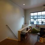 elicafe - 二階のカフェスペース