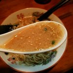 ラーメンつけ麺 三男坊 - ニンニクと胡椒のパンチが最高です!