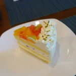 マルナカ菓子店 - フルーツショートケーキ