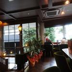 コメダ珈琲店 - 2階