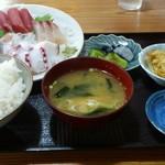 浦島太郎 - 料理写真:刺身定食(赤身) 800円